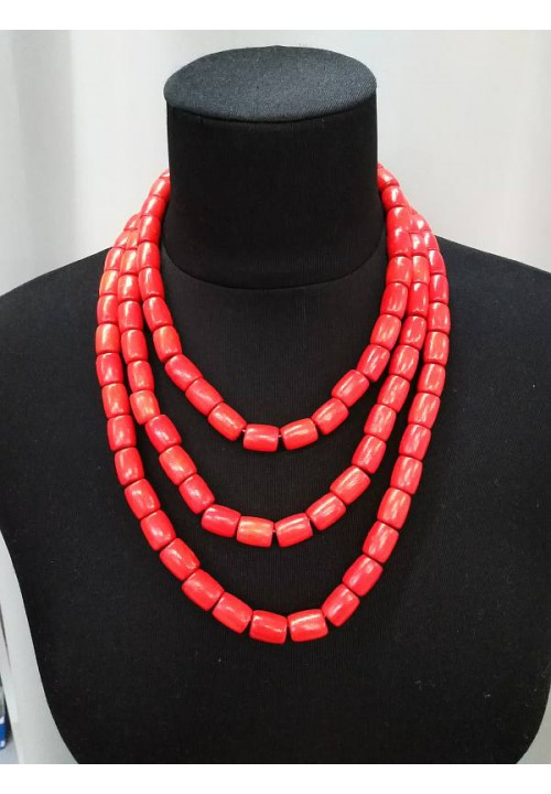 Triple necklace (strung on an elastic band)